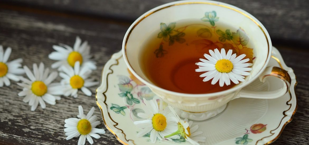 Drink Chamomile Tea Before Bed as a Remedy for Sleep and Stress