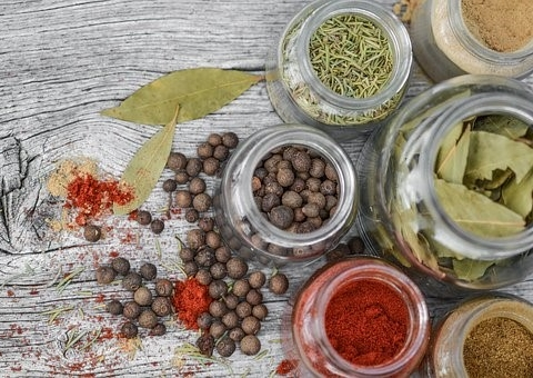 10 Common Herbs and Spices and Benefits That Will Surprise You
