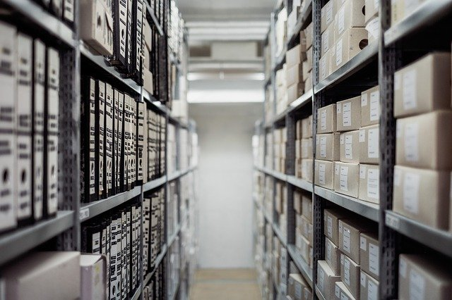 Consider before Choosing Shoes for Working in a Warehouse